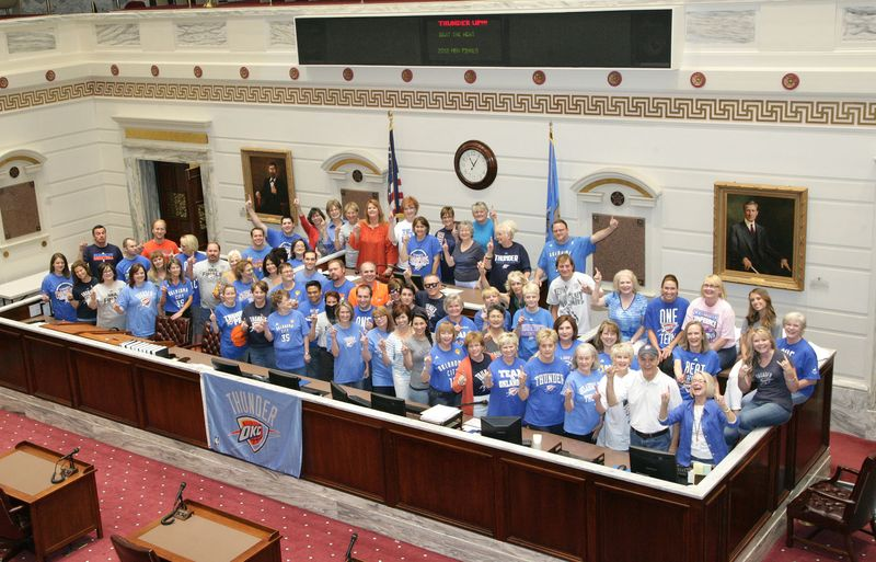Senate Staff Thunder Up